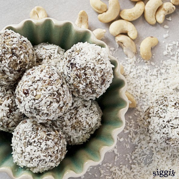 Coconut & Date Nut Balls