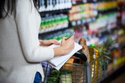 Tips for Grocery Shopping on a Budget