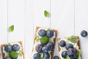 Ricotta Blueberry Crisps