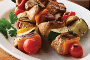 grilled diced chicken kebabs with assorted grilled vegetables